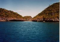 Hundred Islands belong to Pangasinan province and is one of the places worth visiting on travels to Northern Luzon.